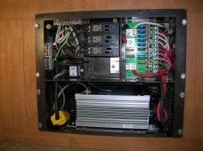 WFCO_8900_with_Inverter.jpg